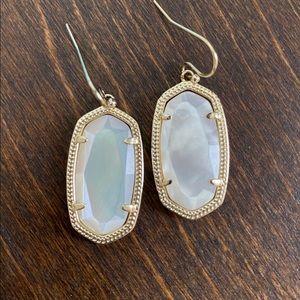 Kendra Scott Dani earrings in mother of pearl